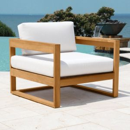 Casita teak lounge chair