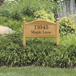 Estate lawn address plaque